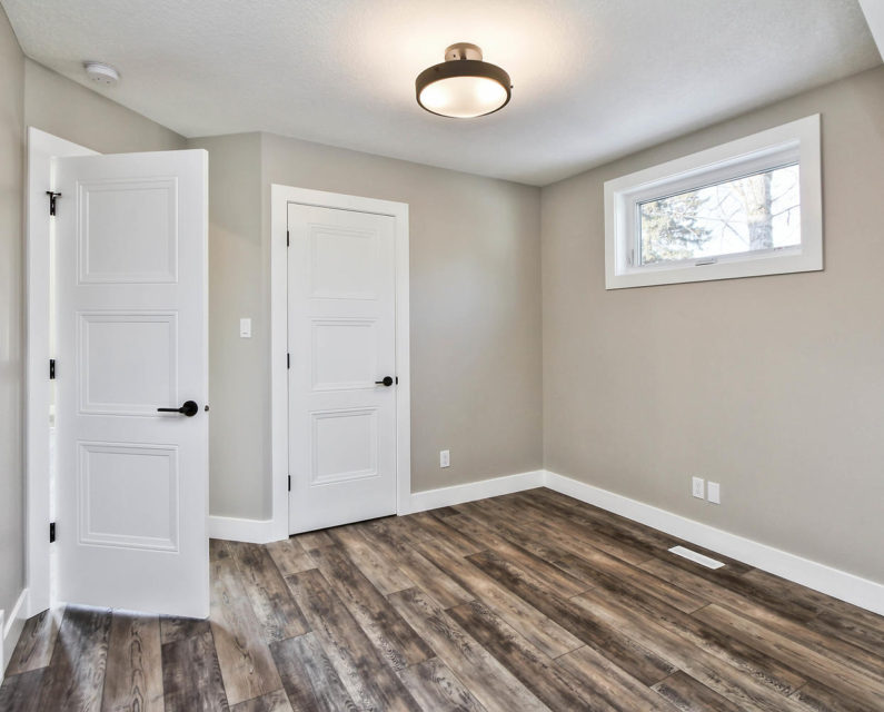 504 5 St Ross Haven AB T0E 1A0-large-051-045-Bedroom 3-1500x1000-72dpi